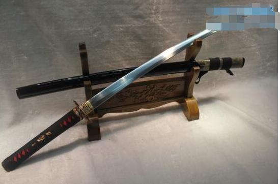 苗刀克制日本刀_世界三大名刀的制作材料及工藝,日本刀的原型乃中國唐刀-趣讀